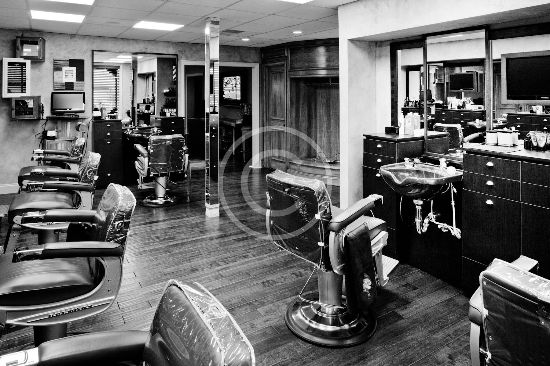 "Franks-Barber-Shop-3.jpg"">"